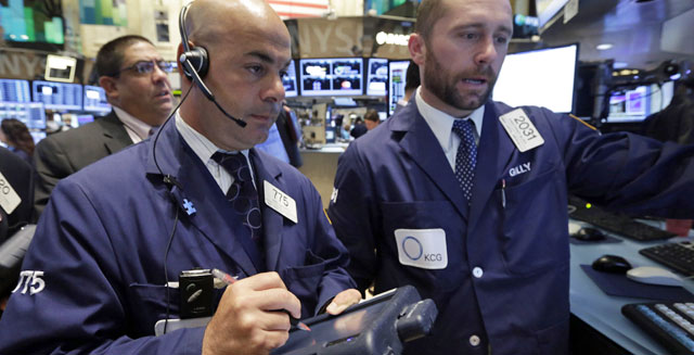 new york stock exchange traders wall street investing