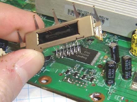 desolder_3_engadget_howto how to make an xbox 360 laptop (part 1) xbox 360 hard drive wiring diagram at bayanpartner.co