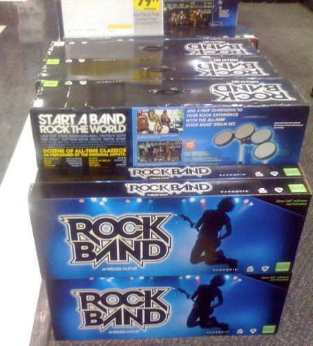 Xbox 360 wireless Rock Band guitar starting to show up in stores