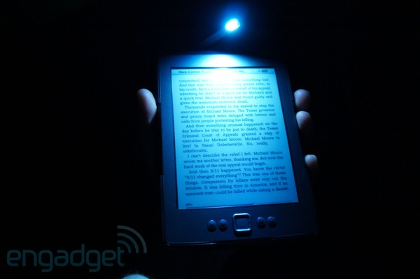 Amazon Kindle Lighted Leather Cover hands-on