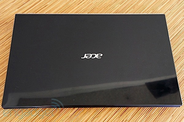 DNP  Acer Aspire V3 review an affordable, Keplerpacking laptop for backtoschool season