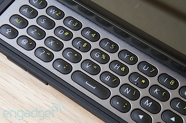 DNP TMobile myTouch and myTouch Q review a wellbuilt and walletfriendly Gingerbread duo