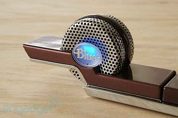 DNP Blue Microphones Tiki compact USB microphone a thumbdrivesized unit for mobile recording sessions