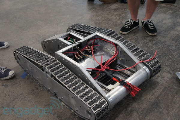 WiFiExtending Robot is built like a tank, we talk to the people behind the project