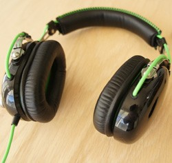 IRL Klipsch Image X7i, Razer BlackShark and BlueAnt's Embrace headphones