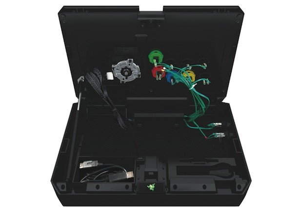 Razer Atrox arcade stick entices Xbox 360 fighters with pro focus, swappable parts