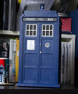 IRL iPod Classic and the WhoSounds TARDIS Bluetooth speaker