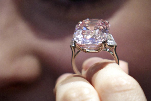 24.78 carat pink diamond that will be up for auction at Sotheby's