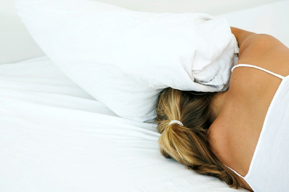 woman-in-bed-insomnia