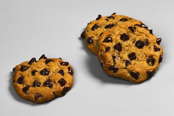 diet-cookies-on-a-plate