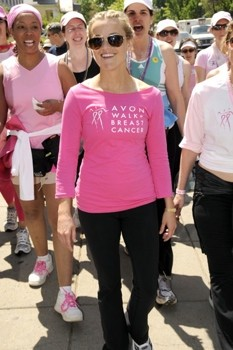 Reese-Witherspoon-breast-cancer-walk
