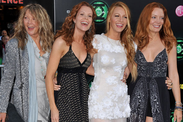 Blake Lively and mum Linda and sisters Robyn and Lori at the LA Green Lantern premiere