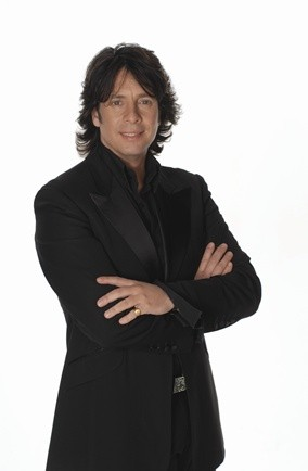 laurence llewelyn-bowen 20 questions changing rooms home style interior designers