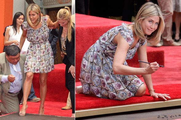Jennifer Aniston at the hand and footprint ceremony at Grauman's Chinese Theatre in LA