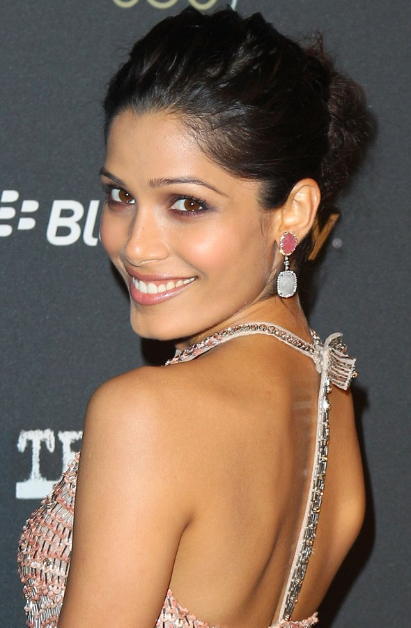And the award for cutest couple goes to? Dev Patel & Freida Pinto in Toronto