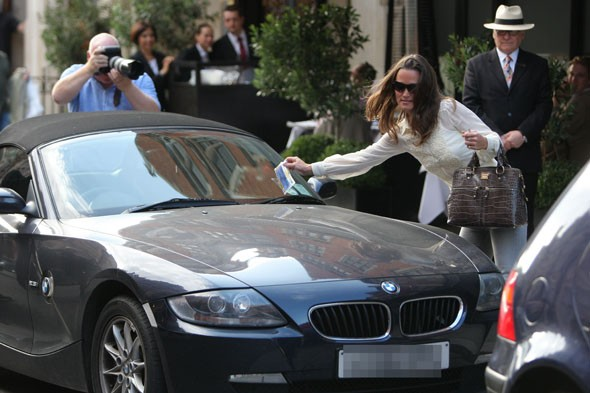 Pippa Middleton Gets A Parking Ticket Again Huffpost Uk