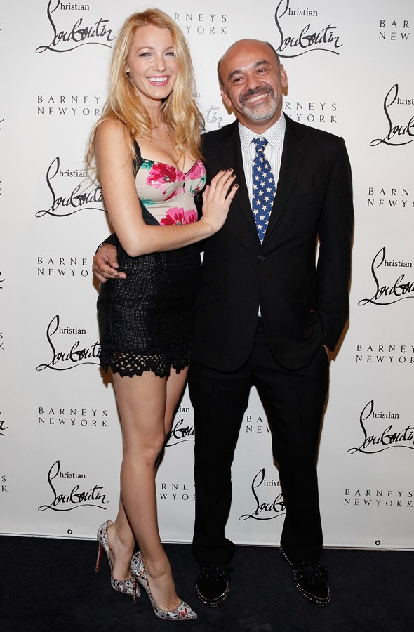 Feet hurt? Christian Louboutin carries Blake Lively out of cocktail party