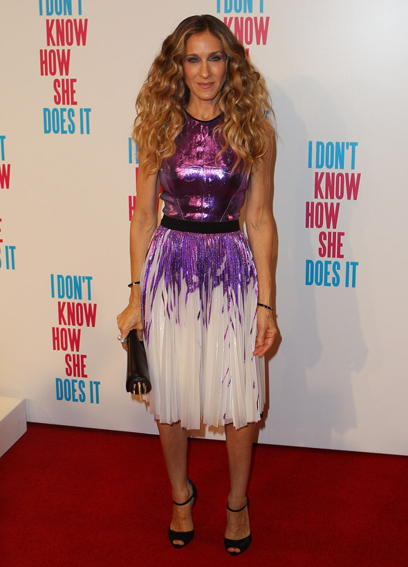 SJP wins us back with an amazing hat, a sparkly dress and a shoe