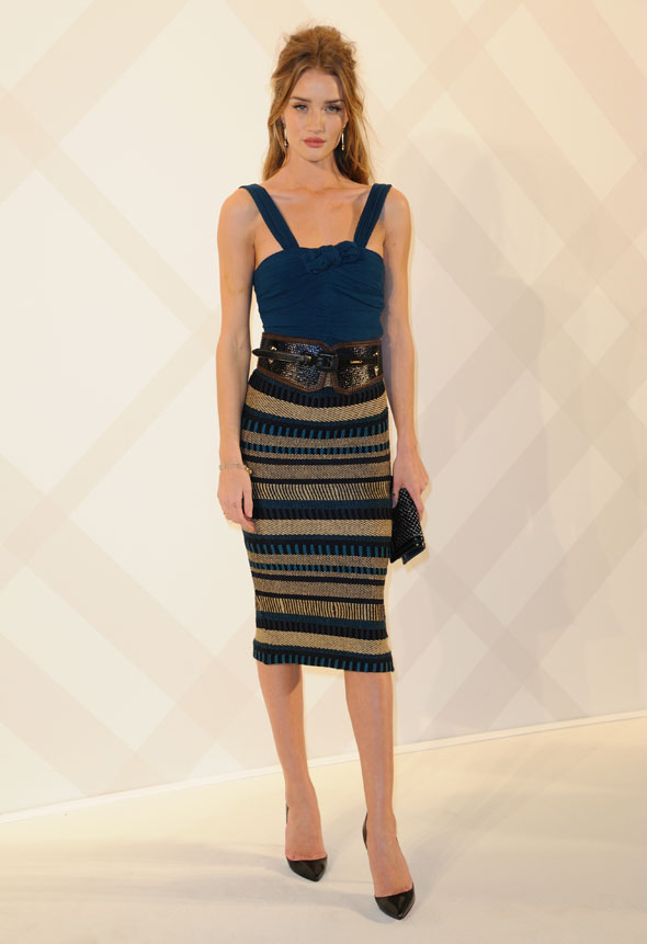 Rosie H-W opts for Burberry bodycon in Paris