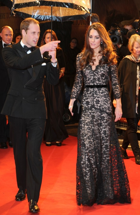 Duchess Kate WOWS at War Horse premiere in London