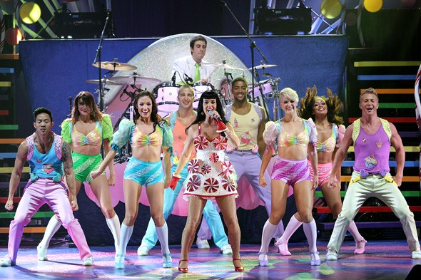 Katy Perry and backing dancers during her California Dreams tour