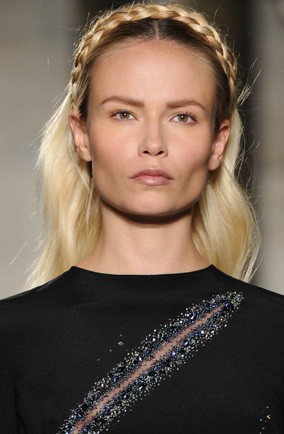 Natasha Poly: Emilio Pucci Autumn/Winter 2012. Backstage beauty
