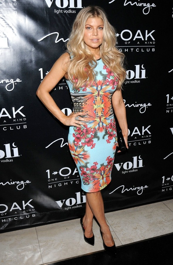Bloomin' marvellous birthday: Fergie does tropical florals to celebrate 37th