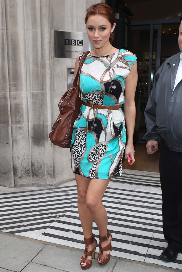 New mum Una Healy visits Radio 2 in a lovely print dress
