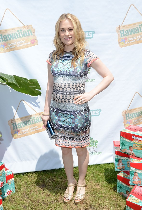 Tiny bump watch! True Blood's Anna Paquin shows off her pregnant belly