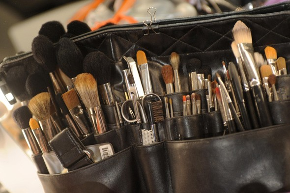 How to use your make-up brushes