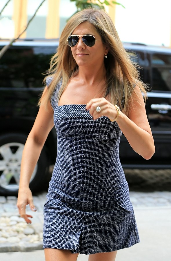 Gorgeous In Grey! Jennifer Aniston Flashes Her Pins In Tweed Micro Minidress