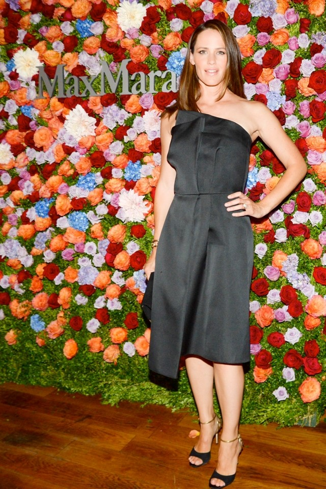 Jennifer Garner, Is That You? Mrs Affleck Has A Glam-Over For MaxMara Bash