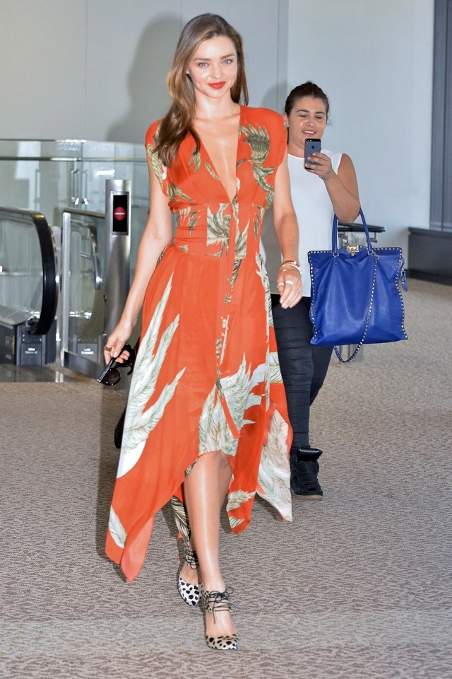 Miranda Kerr Gives Us A Lesson In Airport Chic