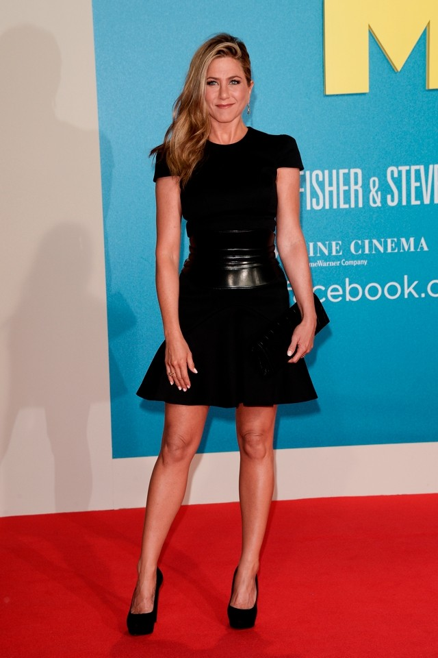 Back To Black! Jennifer Aniston WOWS in Alexander McQueen At We're The Millers Germany Premiere