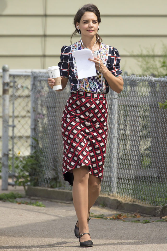 Katie Holmes Does Clashing Prints On The Set Of Her Latest Movie - But Does It Work?