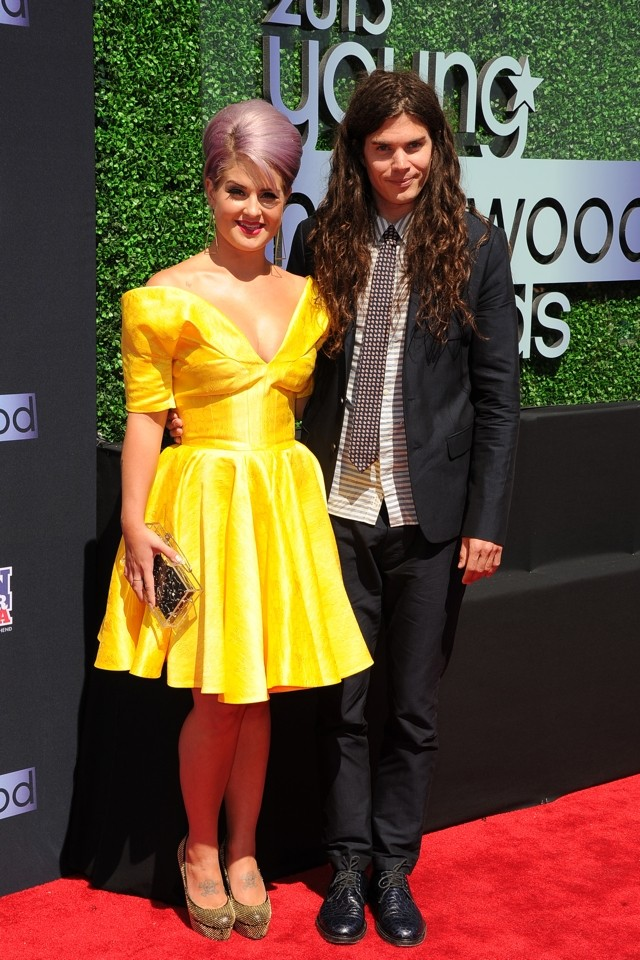 Hello, Yellow! Kelly Osbourne Goes Sunny Side Up At 2013 Young Hollywood Awards