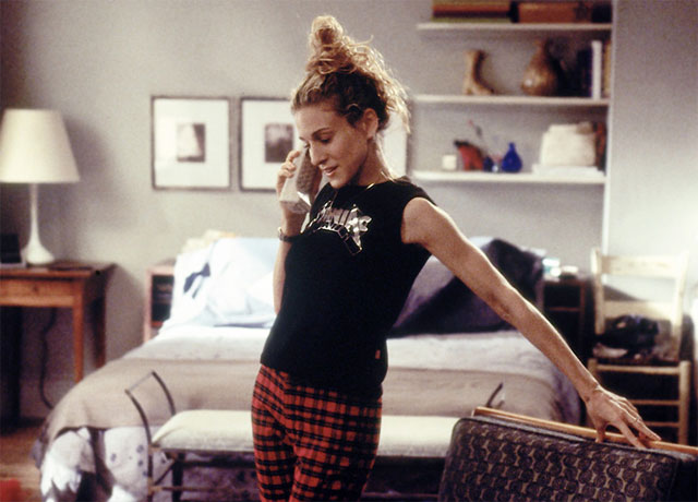 carrie-bradshaw-on-the-phone