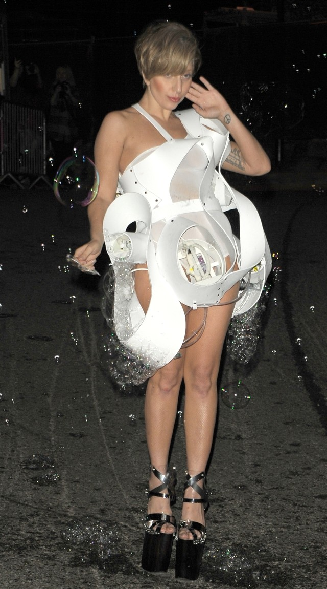 Say What? Lady Gaga Wears A Bubble Machine For Roundhouse Performance (Yup, Really)