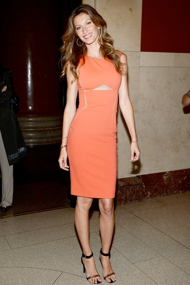 Hot As Hell, Gisele! How To Do The Cutout Dress - Supermodel Style