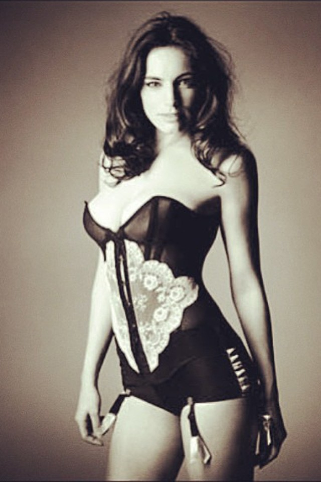 Kelly Brook Latest Lingerie Instagram - Is She Going To Be In Vogue?