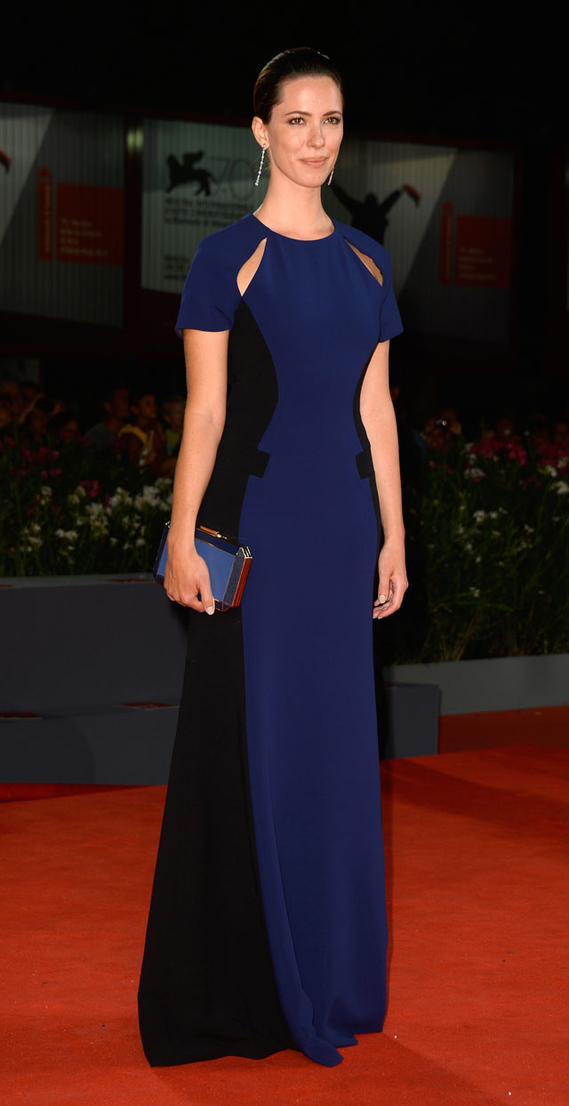 Blue Belle: Rebecca Hall Is Stunning (And Almost Makeup Free) At Venice Film Festival