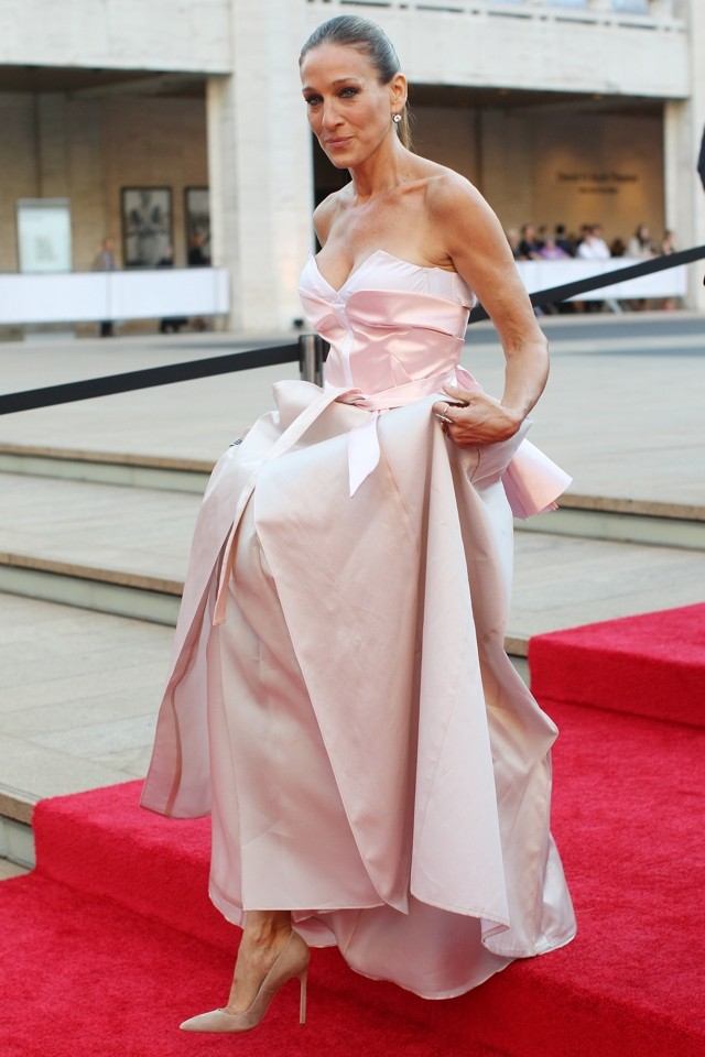 Carrie's Back! SJP Channels Alter Ego In Pink Gown At Ballet Fall Gala