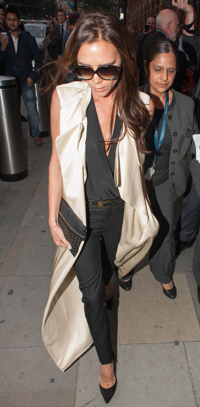Victoria Beckham Arrives In London In Amazing Monochrome