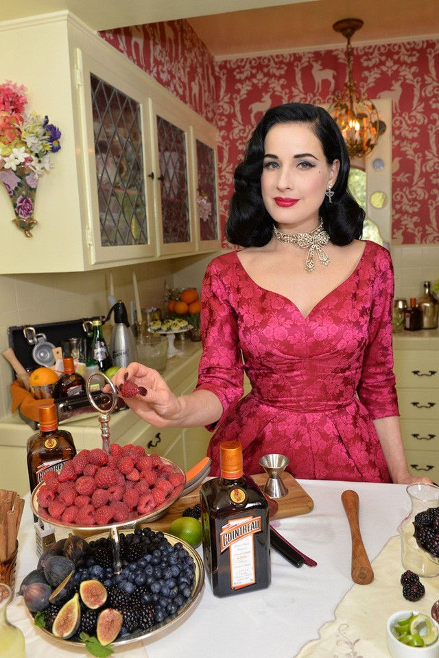 Dita Von Teese Does 1950s Style Pink For Cocktail Class