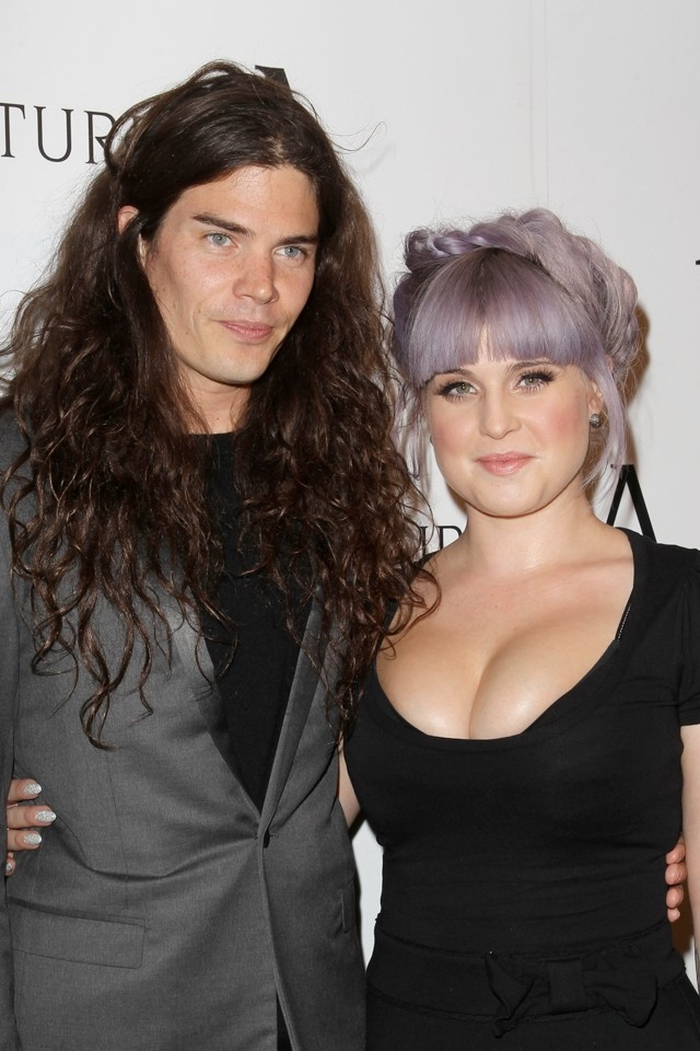 Kelly Osbourne Gives Kim Kardashian A Run For Her Money In The Cleavage Stakes
