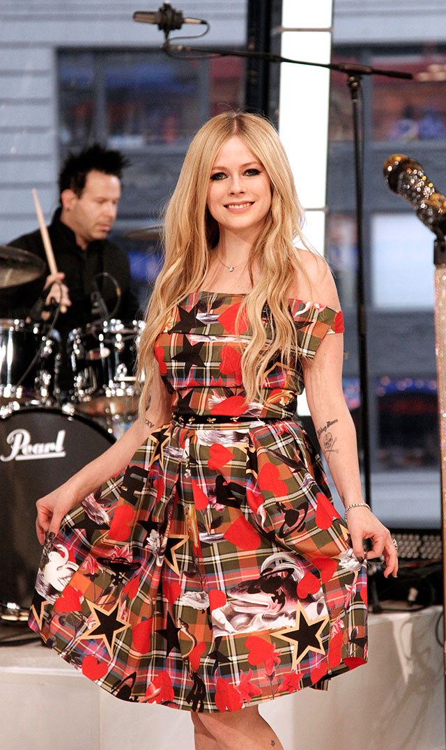 Avril Lavigne Goes From Racy To Super Prim In Print For Good Morning America Appearance
