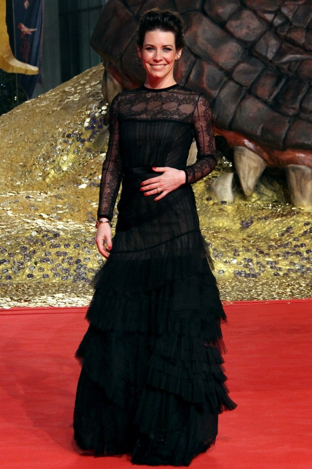 Evangeline Lily Is Stunning As She Cosies Up To Orlando Bloom At The Hobbit: Desolation Of Smaug Berlin Premiere