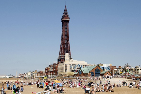 Family trips to the seaside? Don't take a picnic!