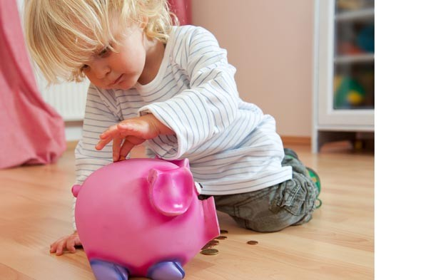 School holidays get parents in to debt - and the kids are still bored