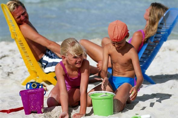 24,000 children miss school every day to take term time holidays